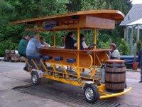 Mit der mobilen Theke macht die Fahrt gleich doppelt so viel Spass.